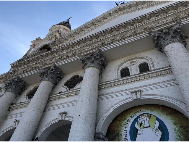 catedral de Paraná dañada