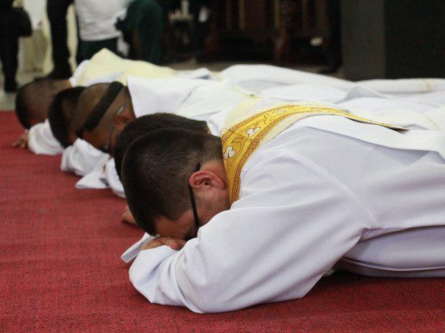 consagración sacerdotal