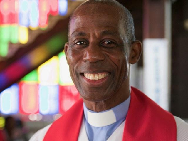 sacerdote célibe